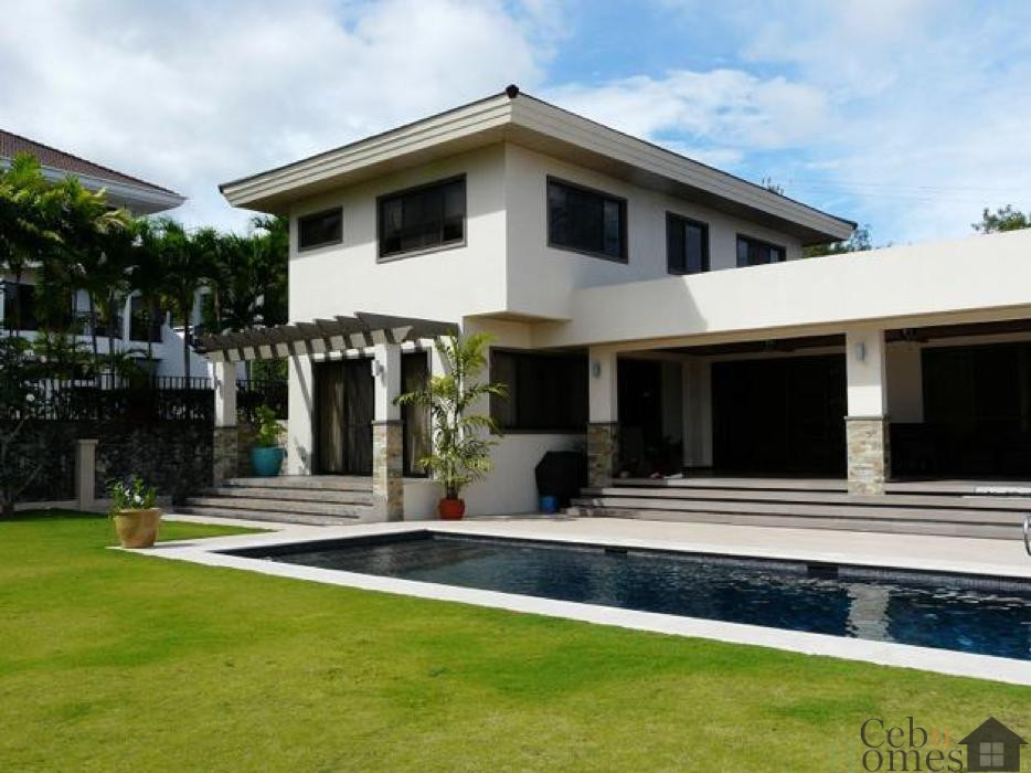 #0137 Modern House with Pool