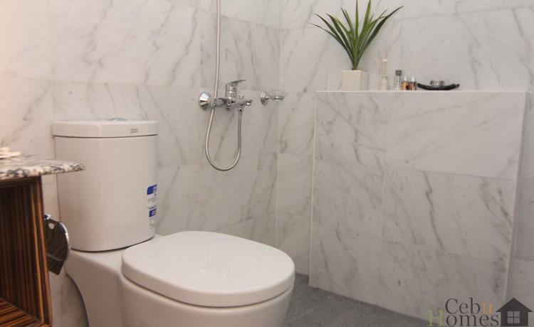 Masters Bedroom Toilet (1)