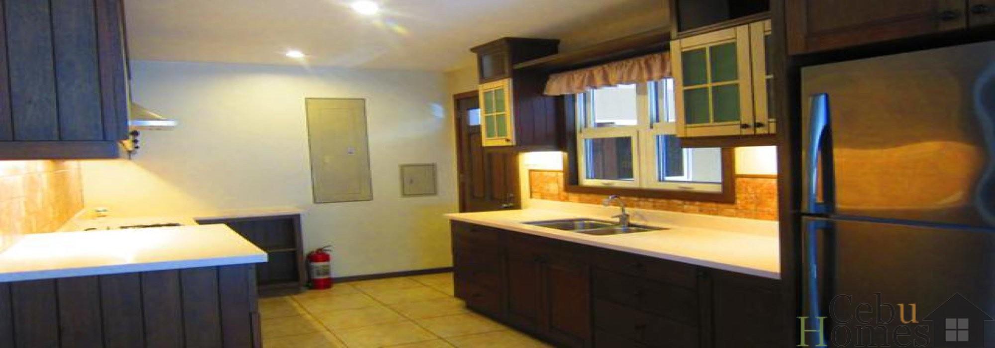 #0284 Five-Bedroom House in Mandaue Subdivision