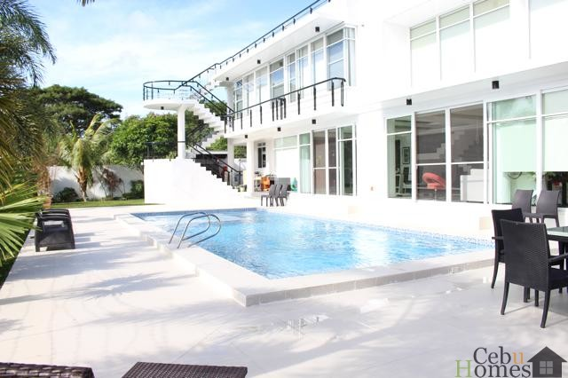 #0072 Modern House with City View and Pool