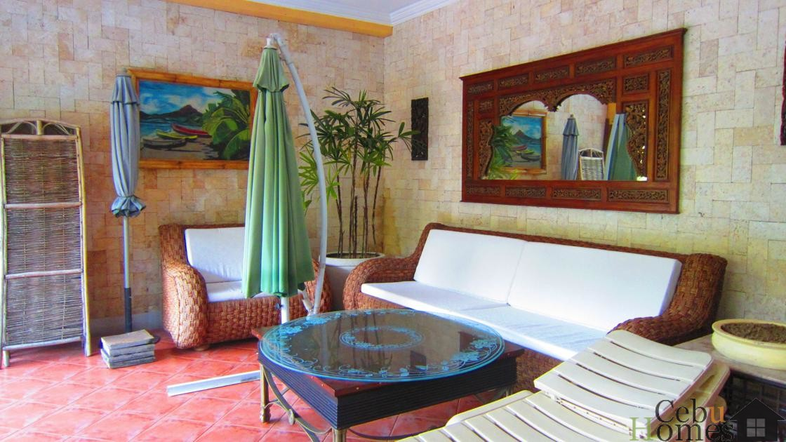 #0211 Spacious Php100K House w/Pool in Ma. Luisa